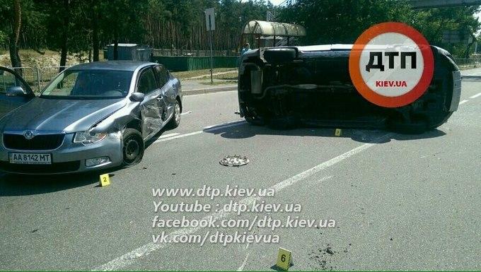 У Києві сталася нова масштабна ДТП: опубліковані фото (1)