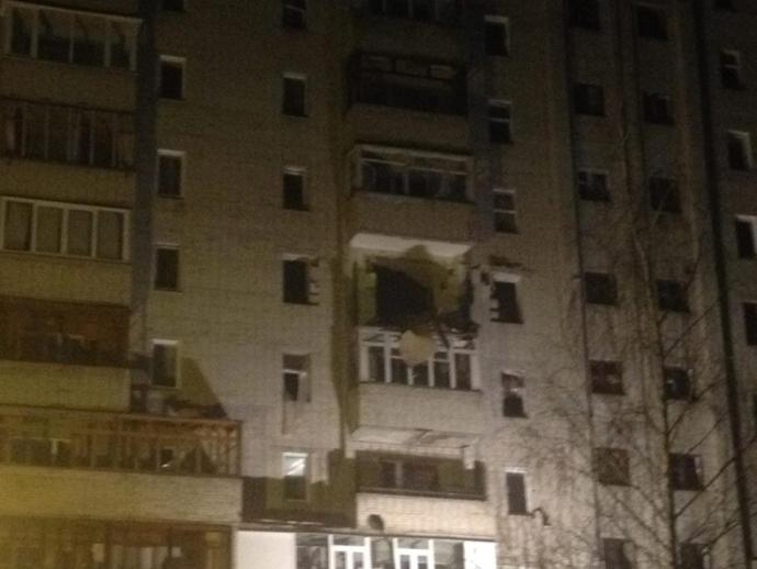 В Сумах произошел мощный взрыв в жилом доме: появились фото, видео и подробности (6)
