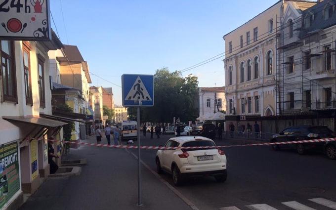 У центрі Харкова сталося вбивство: фото і відео з місця подій