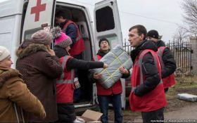 Бойовики ДНР обстріляли працівників Червоного хреста - штаб АТО
