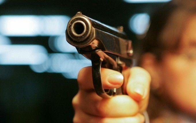 У Києві одразу в двох районах відкрили стрілянину, є поранений: з'явилися фото