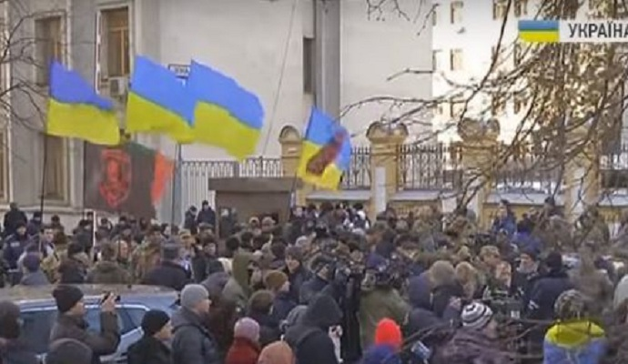 Бойцы АТО требовали наказать виновных в Иловайской трагедии (видео)
