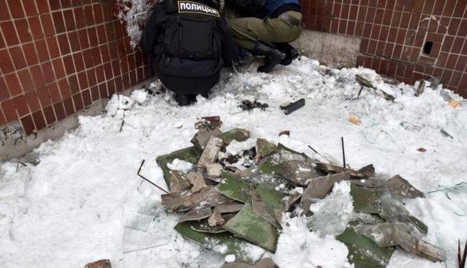 """Обстрел """"министерства"""" в Донецке: боевики опубликовали фото последствий (2)"""