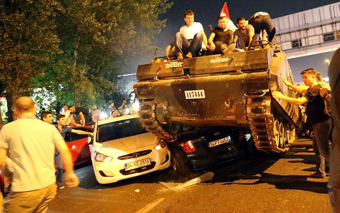В ЄС заявили про неприємні для Туреччини наслідки провального перевороту