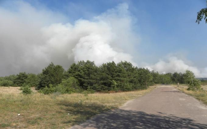 Масштабна пожежа під Чорнобилем: з'явилися фото і нові подробиці