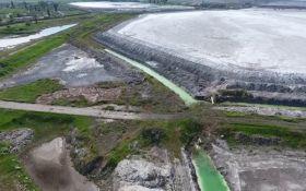 Экологическая катастрофа в Крыму: опубликовано жуткое видео с эпицентра химической аварии в Армянске