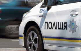 В Днепре полицейские открыли огонь по водителю, который совершил наезд на патрульного и пытался сбежать