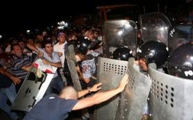 Мітинг у Єревані: В результаті зіткнень вбито поліцейського: опубліковані фото та відео