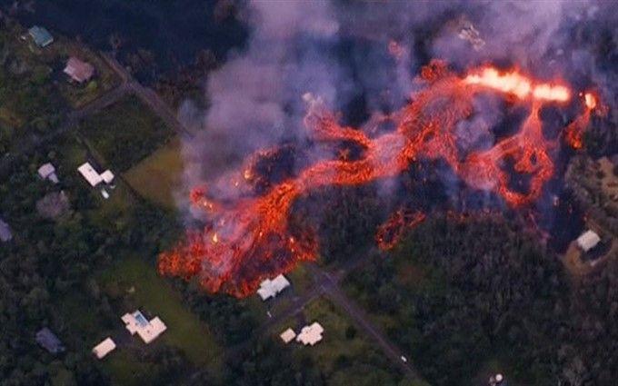 На Гаваях оголошено червоний рівень небезпеки: острів накрило лавою (опубліковані шокуючі фото)