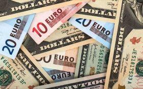 Курс валют на сьогодні 1 грудня: долар не змінився, евро не змінився