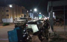 У Буркіна-Фасо бойовики зухвало напали на кафе, багато загиблих