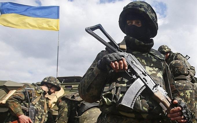 Обстріли на Донбасі: у Порошенка назвали число поранених бійців АТО