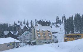 Карпаты замело снегом - зрелищные фото и видео