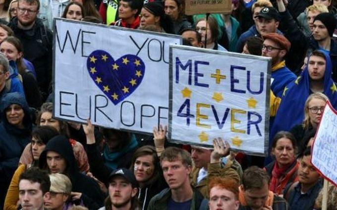 """У Лондоні противники Brexit вийшли на """"Євромайдан"""": опубліковані фото і відео"""