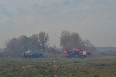 У Київській області горить 15 га торфовищ (6 фото) (3)