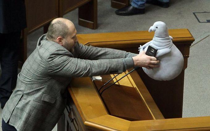 Депутат Верховной рады появился назаседании соЖдуном