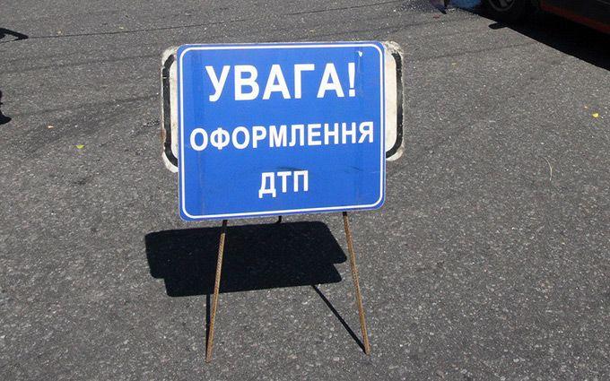 З'явилося відео масштабного ДТП з шістьма машинами в Києві