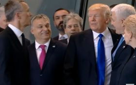 Трамп оттолкнул премьер-министра Черногории на саммите НАТО, но тот не обиделся, появилось видео
