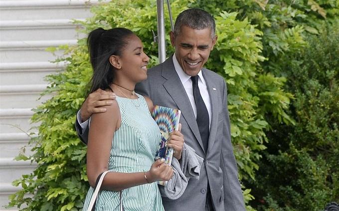 Неповнолітня дочка Обами влаштувалася на роботу: опубліковані фото