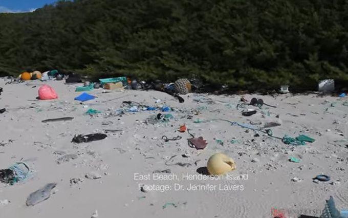 На острові у Тихому океані утворилось величезне звалище пластикового сміття
