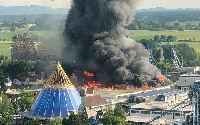 У найбільшому парку розваг Німеччини сталася потужна пожежа: опубліковані фото і відео
