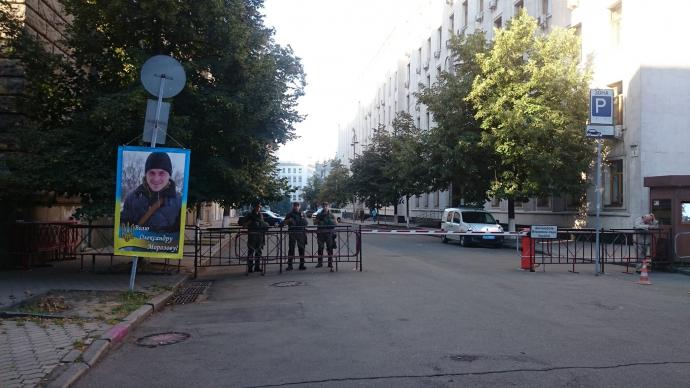 У мережі посміялися над ночівлею Савченко під АП: з'явилися фото (1)