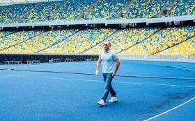 """Известный актер Джейсон Стэтхэм снялся в рекламе на НСК """"Олимпийский"""""""