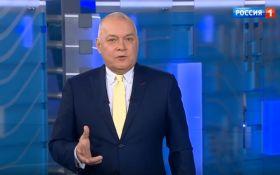 """Путинский пропагандист насмешил сеть речью про """"черные катышки"""": появилось видео"""