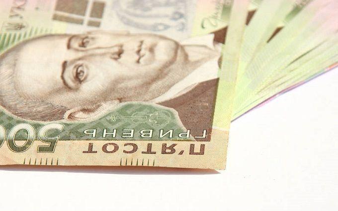 Правительство Украины обсуждает повышение минимальной зарплаты - детали