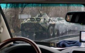 Біля окупованого Луганська помітили колону військової техніки: опубліковано відео