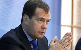 Медведев проводит встречу с кумом Путина Медведчуком: что обсуждают