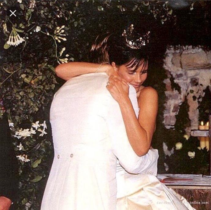 Бекхеми привітали одне одного з річницею і показали старі весільні фото (1)