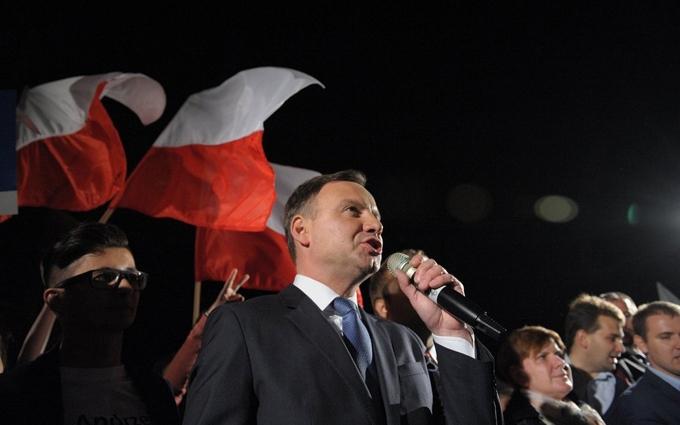 Опубликовано видео аварии с лимузином президента Польши