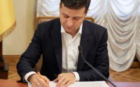 Зеленський надав нові привілеї помічникам депутатів: що відомо