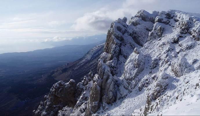 Шестерых человек спасли в горах Крыма