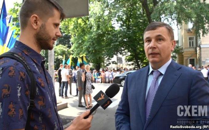 ЗМІ провели скандальне розслідування про охоронців Порошенко: опубліковано відео