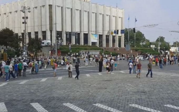 Хресна хода в Києві: з'явилося відео зустрічі двох колон ходоків