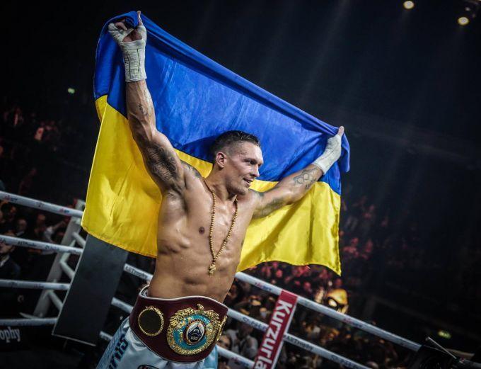 Усик переміг Гассієва та став абсолютним чемпіоном світу: відео