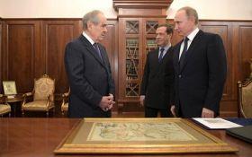 """Путин повеселил сеть """"глубокими"""" познаниями в истории: появились фото"""