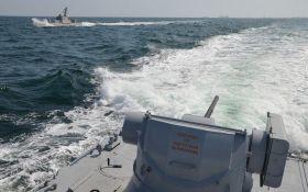 Агрессивное столкновение: пограничный корабль РФ протаранил украинский буксир в Азовском море