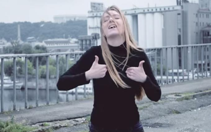 """Вакарчук показав пісню """"Океану Ельзи"""" мовою жестів: з'явилося відео"""
