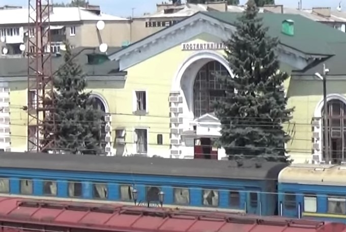 """До бойовиків ДНР з України вагонами везуть сировину для """"Градів"""": з'явилися фото і відео"""