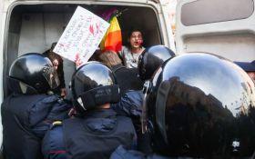 Кадирова в Гаагу: в Петербурзі затримали протестуючих проти полювання за геями в Чечні