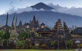 Эвакуация на Бали: 57 тысяч человек покидают дома из-за угрозы извержения вулкана
