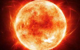 Ученые зафиксировали самую мощную за три года вспышку на Солнце - уникальное фото