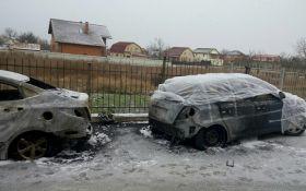 Під Києвом невідомі влаштували підпали авто: опубліковані фото і відео