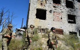 Бойовики продовжують провокації на Донбасі: серед бійців ЗСУ є поранені