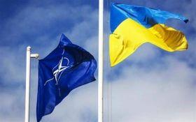 У НАТО закликали дати надію Україні