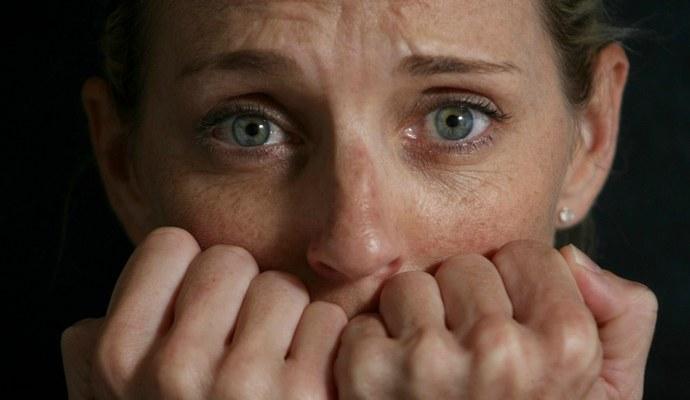 В опасной ситуации тревога играет роль стимула