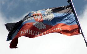 """Удар в спину: """"ДНР"""" ввела санкции против """"ЛНР"""""""